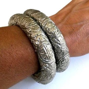 Pair Vintage Chinese Silver Plate Cuff Bracelet Asian 1940s 100(gr)TW