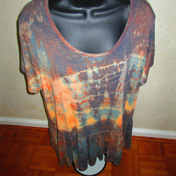 WOMEN size 20 blouse. Easy, elegant. Short sleeves. Fancy shibori design, stretchy soft fabric viscose and elastane. Church, travel, work.