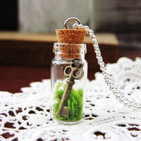 Living Terrarium Necklace: The Key To My Heart