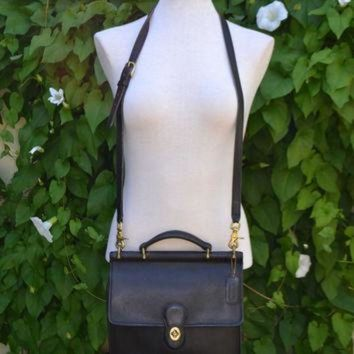 ONETOW Vintage 80s COACH Genuine Black leather CROSSBODY Structured Hand Bag Purse