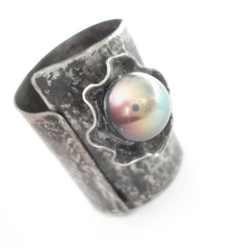 Silver Ring-Metalwork-Opalescent Pearl-Handmade Ring-Ηandcrafted Adjustable Unique Ring-Contemporary Ring-Modern Silver Ring-Cold Connection