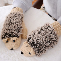 New Attracive Autumn Winter Gloves Women Mittens Cute Lovely Cartoon Knitted Hedgehog Glove Guantes Tacticos Girls Luva ST6101