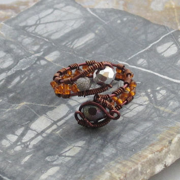 Copper Wire Beaded Ring with Frosted Glass Bead by studiodct