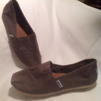 NEW WOMEN'S SIZE 6 TOMS SHOES CANVAS GRAY GIRLS FLATS