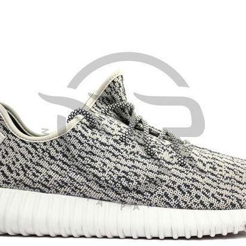 PEAPUX5 YEEZY BOOST 350 - TURTLE DOVE (USED)