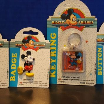 Vintage Disney Mickey Mouse & Friends Glitter Button, Badge & Keyring NEW
