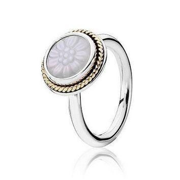 pandora-two-tone-mother-of-pearl-daisy-signet-ring number 1