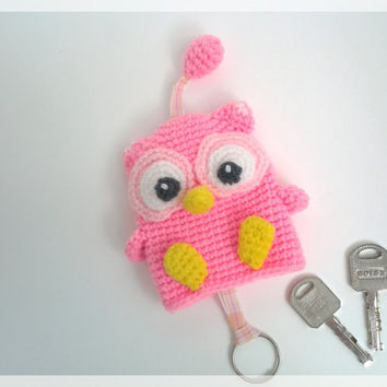 Shocking pink owl, key cover , made to order , amigurumi.