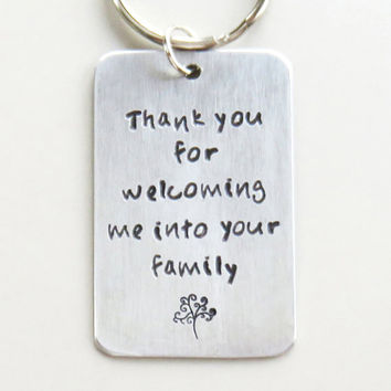 Father-in-law gift Mother-in-law gift - Thank you family tree of life keychain - Thank you for welcoming me into your family - In-laws gifts