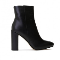 PRESLEY ANKLE BOOTS IN BLACK