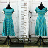Beautiful Spring 1950s Dress/ Full Circle Swing Dress/ 1950s Dress/ 50s Dress/ Gold Buttons/ Full Circle Skirt/ Office Day Prom Formal Dress