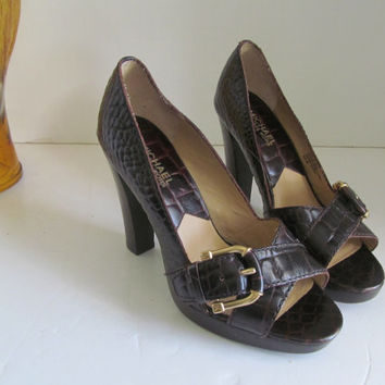 Michael Kors Shoes sz 6M Leather Sandals  Womens Sandals size 6 M Brown Shoes Brown Gator Shoes Shoes with Buckles