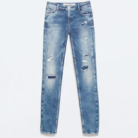 Topstitched skinny jeans