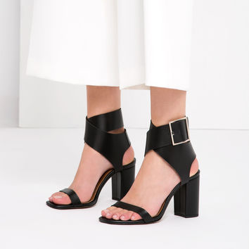 LEATHER SANDALS WITH BUCKLE - TRENDING NOW-WOMAN | ZARA United Kingdom