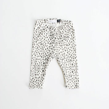 Organic baby leggings / toddler leggings hipster / leopard black and white dots