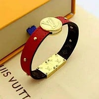 LV Louis Vuitton Newest Fashion Leather Bracelet Hand Catenary Jewelry Red