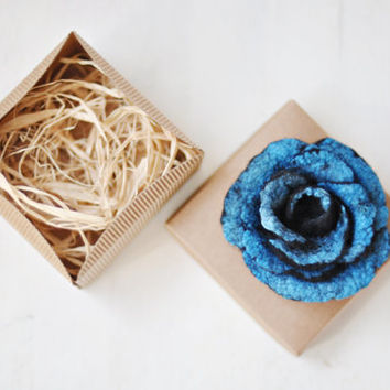 Ready to ship - Black and blue turquoise felt flower brooch - Bonjour - With box - Wool Silk - Black, Blue turquoise handmade brooch