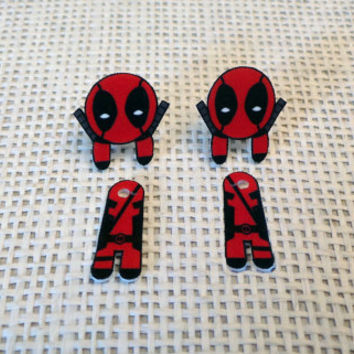 Ear Jacket Earrigs: Deadpool