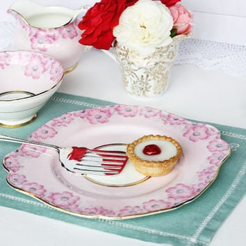 Pretty pink Paragon cake plate from the 1930s: a lovely sandwich plate for a very special party