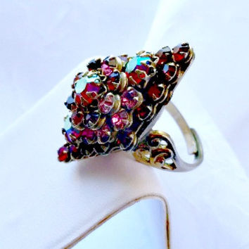 Rhinestone Cocktail Ring, Siam Red and Pink Rhinestones, Aurora Borealis, Gold, Art Deco, Vintage Fashion, Costume Jewelry, Adjustable Size