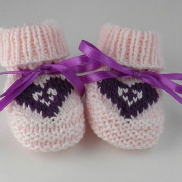 Pink Hand Knit Newborn Baby Shoes Purple Hear Baby Gift Set Size 0 to 3 Months