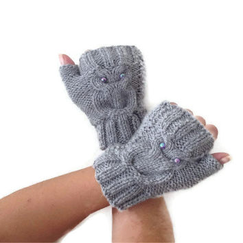 Owl figure grey  Wool Fingerless Gloves Armwarmers  Hand Knit Chic Winter Accessories Winter Fashion