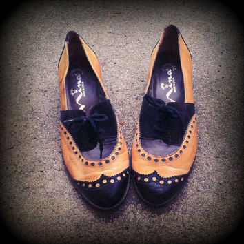 Vintage Cutout Wingtip Spectator Oxford Shoes By Touch Of Nina Size 5.5