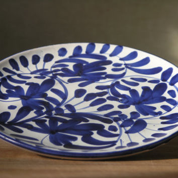 Vintage Italian Hand Painted Pottery Plate Set. Blue and white modern floral pattern.