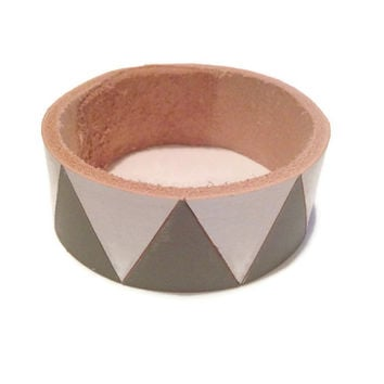 Leather Bracelet, Painted Leather Braceelet, Chevron Bangle, Stackng Bracelet, Leather Bangle, Leather Bracelet, Grey Bracelet