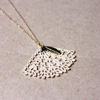 Long necklace pendant crochet jewelry lace beige ecru