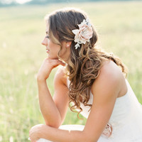 Champagne Flower Headpiece. Bridal Champagne Flower Hair Comb.