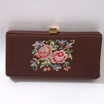 Clutch purse / Floral embroidery box clutch / 1940s clutch purse