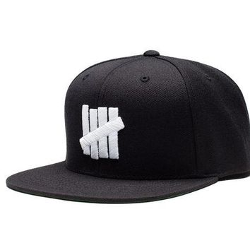ONETOW Undefeated 5 Strike HO16 Snapback In Black