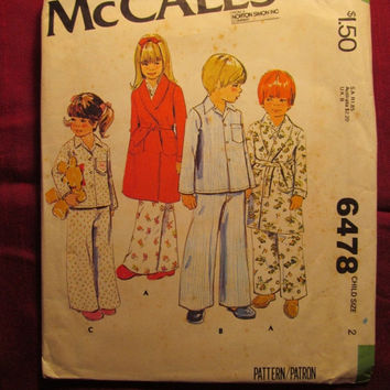 SALE Uncut 1979 McCall's sewing Pattern, 6478! Size 2 Toddler/Kids/Child/Girls/Boys/House Robes/Bath Robes/Pajama Tops & Bottoms/Collared To