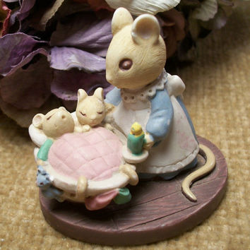 Miniature Figurine, Animals, Mice, Mom and Baby Mice,  Forest Friends, All Tucked In, Sleeping Mice, Avon Product, Avon Figurines