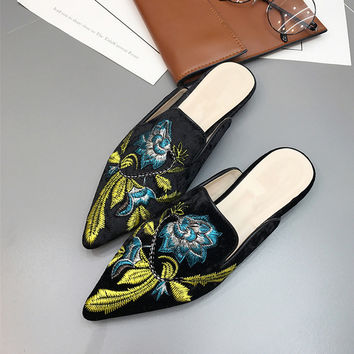 Fashion Embroider shoes Velvet Mules Pointed Toe Slippers Summer Women's Flat Sandals Casual Women Flat Shoes Ladies Shoes