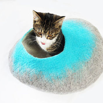 Two Tone Felt Cat Cave Bed And Ball