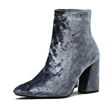 Streetwear Velvet Ankle Boots up to Size 9 (25cm EU 40)