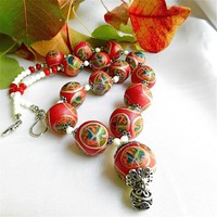 Festive Red, Green, White Wreath Motif Beaded Necklace, Polly_Ceramica