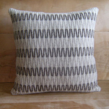 Pendleton Wool Pillow Geometric 16x16 by RobinCottage on Etsy
