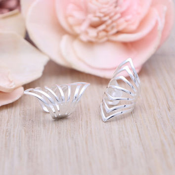 925 sterling silver V shaped No piercing ear cuff