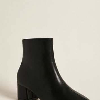 Yoki Pointed Toe Ankle Boots
