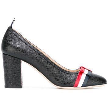 ESBONJF Thom Browne Medium Block Heel With Red, White And Blue Leather Bow In Pebble Grain - Farfetch
