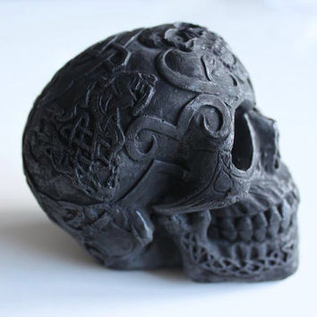 Black Skull Sculpture - Celtic Skull - Decor - Skull Ornament- Celtic Decor - Halloween Decoration - Black Skull Sculpture - Macabre Decor