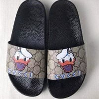 GUCCI Men and women couples print word sandals Slipper Shoes-1