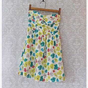 ||| PRETTY ||| Floral ||| AMERICAN EAGLE OUTFITTERS ||| Strapless Sun Dress | 0