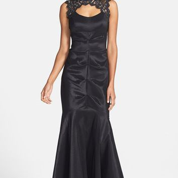 Women's Xscape Lace & Taffeta Mermaid Gown
