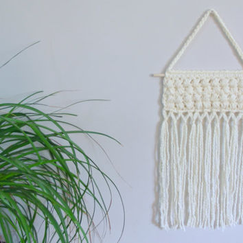 Crochet Wall Hanging Cream Wall Hanging Crochet Wall Decor Gender Neutral Nursery Decor Baby Girl Nursery Baby Boy Nursery Boho Chic Decor
