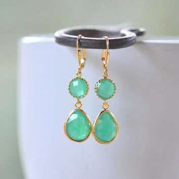 Palace Green Teardrop Gem Jewel Drop Earrings.  Green Bridesmaid Dangle Earrings in Gold. Jewelry Gift for Her.  Christmas Gift.