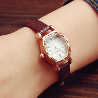 Women Retro Waterproof Watch + Gift Box- 536